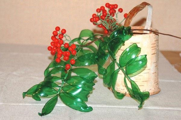 Листья для цветов из пластиковых бутылок своими руками